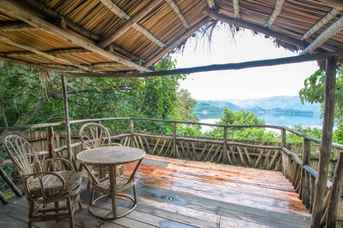 A balcony or terrace at Byoona Amagara