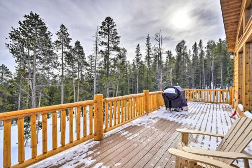 A balcony or terrace at Mountainside Fairplay Cabin with Game Room and Sauna!