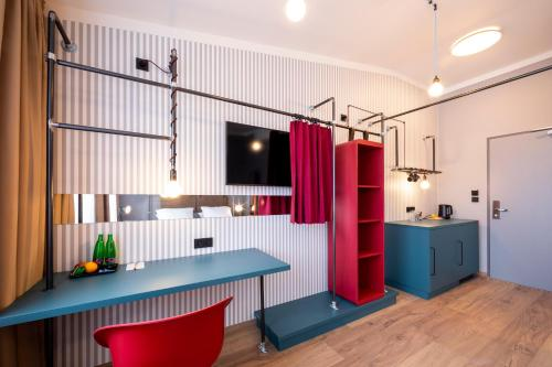 A kitchen or kitchenette at Miss Sophie's Downtown