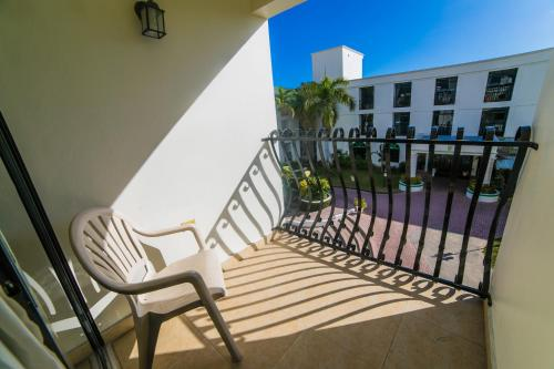 Ein Balkon oder eine Terrasse in der Unterkunft The Knutsford Court Hotel