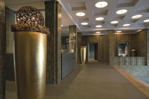 The lobby or reception area at Hotel Stadtpalais