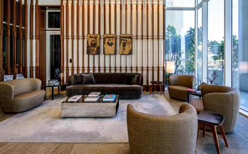 A seating area at FORM Hotel Dubai, a member of Design Hotels™