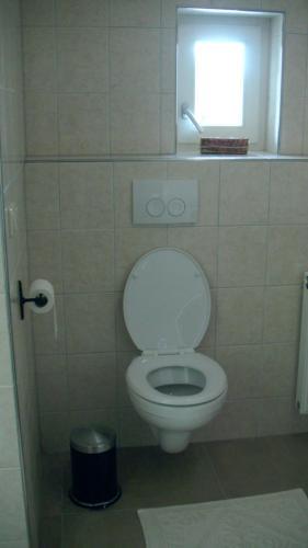 A bathroom at De Turfstaeker