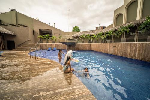 The swimming pool at or close to Doubletree By Hilton Iquitos