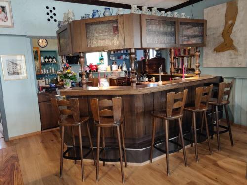 The lounge or bar area at Hotel-Restaurant Köhler