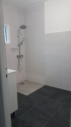 Salle de bains dans l'établissement La Kaz Kian