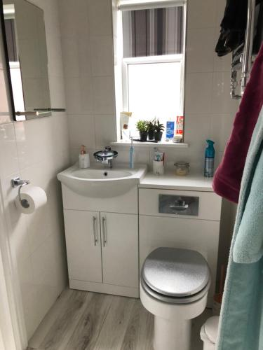 A bathroom at Little Acorns