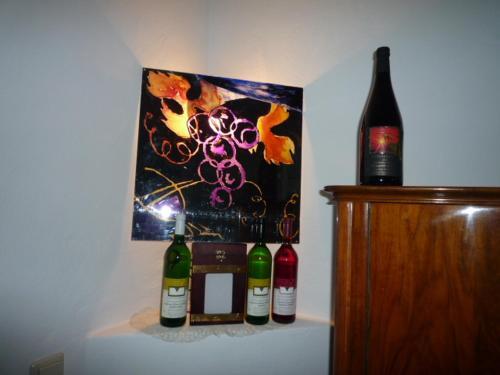 Getränke in der Unterkunft biozertifiziertes Hotel Höpfigheimer Hof mit Wein-Shop