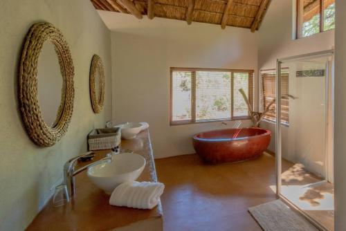 Salle de bains dans l'établissement Pilanesberg Private Lodge