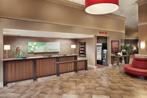 The lobby or reception area at Holiday Inn Dubuque/Galena, an IHG Hotel