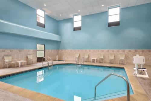 The swimming pool at or near Holiday Inn Dubuque/Galena, an IHG Hotel