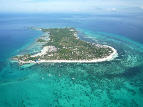 A bird's-eye view of Tepanee Beach Resort