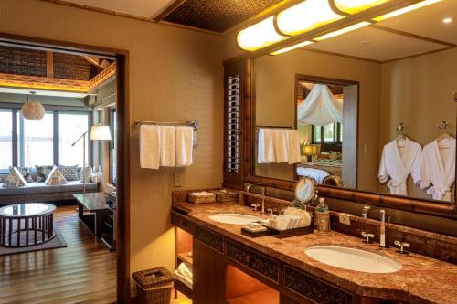A bathroom at Palau Pacific Resort