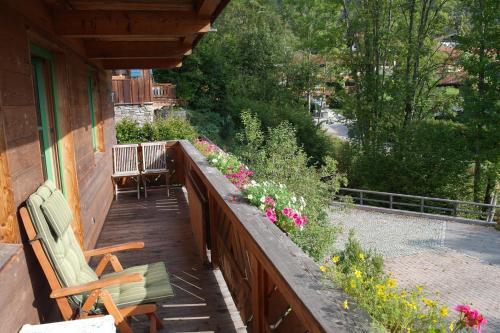 Ein Balkon oder eine Terrasse in der Unterkunft Apartment Landhaus Bachwinkl