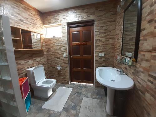 Um banheiro em Beautyful House In Moorea