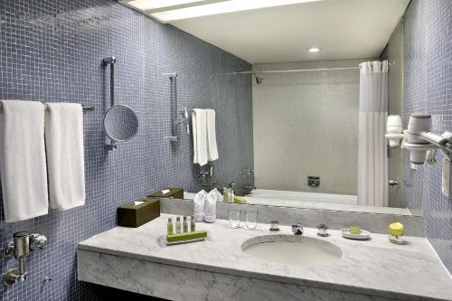A bathroom at Hilton Addis Ababa