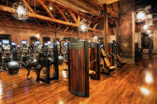The fitness center and/or fitness facilities at Hotel Ballard