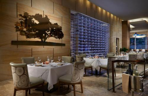 A restaurant or other place to eat at Seminole Hard Rock Hotel & Casino Hollywood