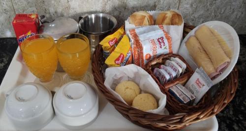 Opções de café da manhã disponíveis para hóspedes em Hotel Estrela do Sul - Metro Praça da Arvore - 5KM Aeroporto Congonhas