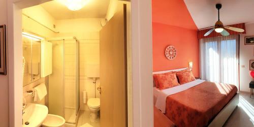 A bathroom at Family Hotel Primavera
