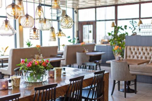 Restaurant ou autre lieu de restauration dans l'établissement Strandhotel Scheveningen