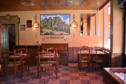 Restaurant ou autre lieu de restauration dans l'établissement Le Rider