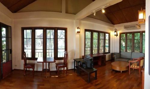 Mekong Vacation Lodge