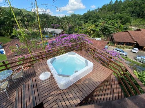 A piscina localizada em Pousada Arraial do Ouro ou nos arredores