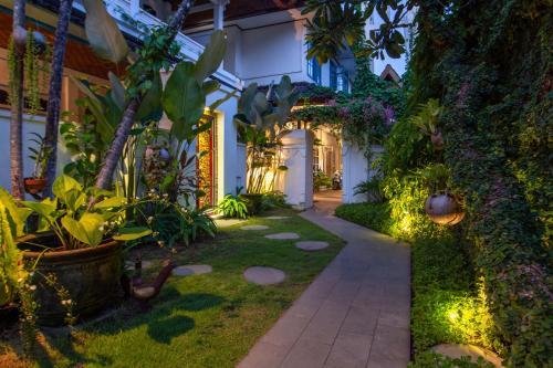 A garden outside Sanur House