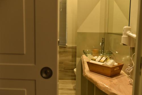 A bathroom at Hotel Pompei Be Green