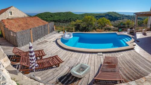 A view of the pool at House Abatros or nearby