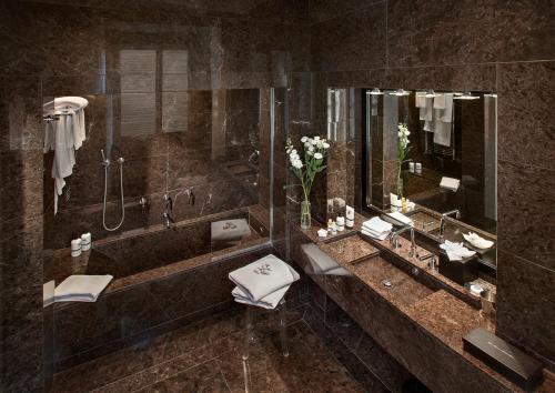 Bagno di Relais & Chateaux Palazzo Seneca