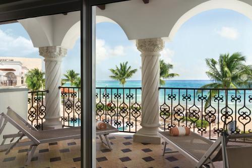 Een balkon of terras bij Hilton Playa del Carmen, an All-Inclusive Adult Only Resort