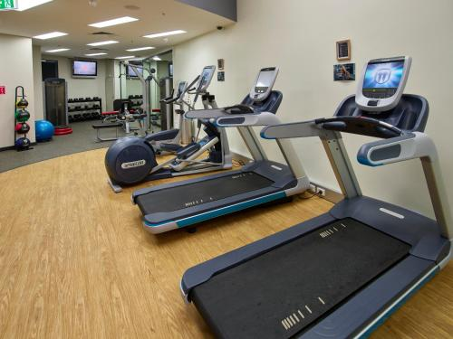 The fitness center and/or fitness facilities at Hilton Cairns