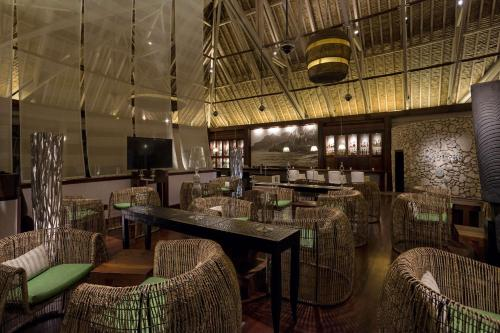 A restaurant or other place to eat at InterContinental Bora Bora & Thalasso Spa, an IHG Hotel