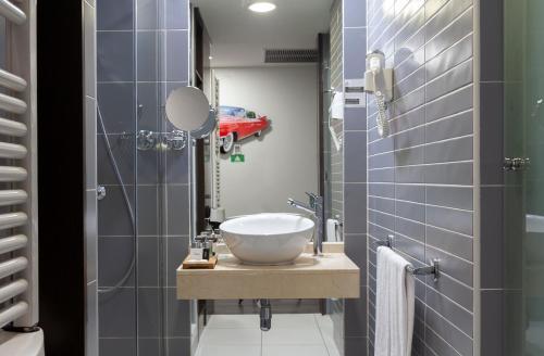 Salle de bains dans l'établissement Hotel Dome Madrid