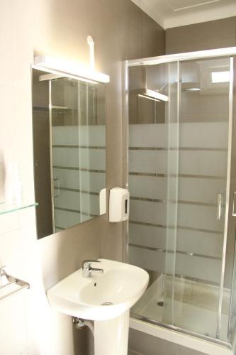 A bathroom at StayInn City - Évora