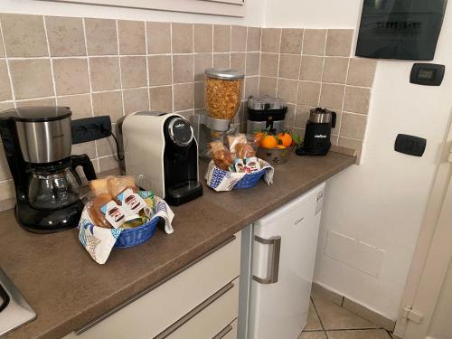 A kitchen or kitchenette at B&B ALDA