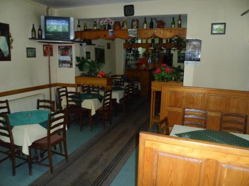 Salon ili bar u objektu Hostel Olimpik