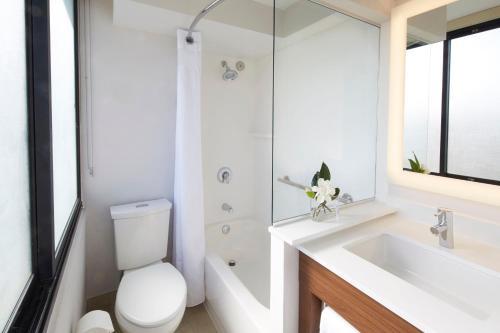 A bathroom at Holiday Inn Express Waikiki, an IHG Hotel