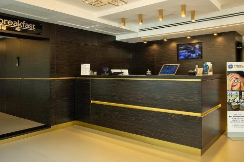 Hall o reception di Best Western JFK Hotel