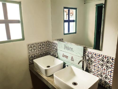 Ein Badezimmer in der Unterkunft Casa Luna Hostel