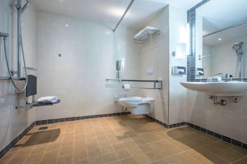 Ein Badezimmer in der Unterkunft Radisson Blu Hotel, Hamburg Airport