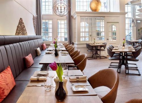 Een restaurant of ander eetgelegenheid bij Radisson Blu Hotel, Amsterdam City Center