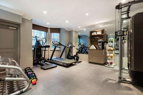 The fitness center and/or fitness facilities at Radisson Blu Edwardian Vanderbilt Hotel, London