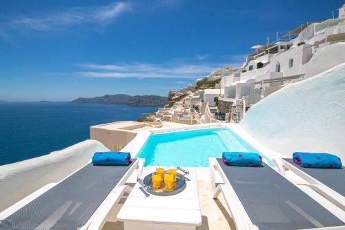 Vista de la piscina de Alexander's Suites o alrededores