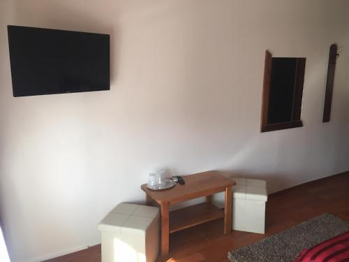 A television and/or entertainment center at Casa Someseana