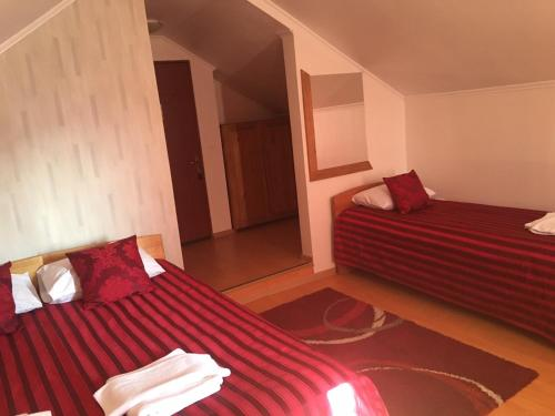 A bed or beds in a room at Casa Someseana