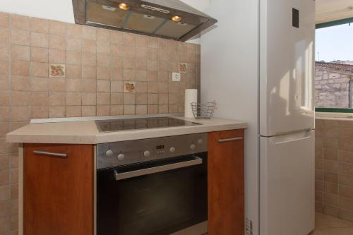 Kuhinja ili čajna kuhinja u objektu Apartments Kovacic_Grubisic