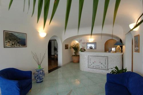 The lobby or reception area at Hotel Le Fioriere